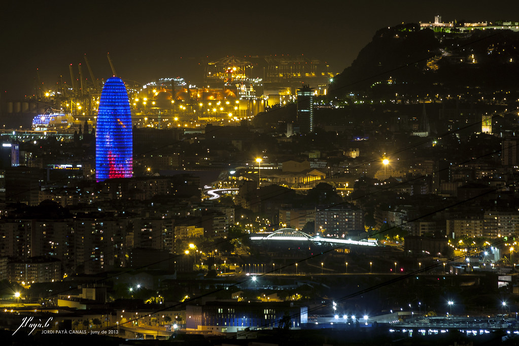 how to get from barcelona airport to city at night