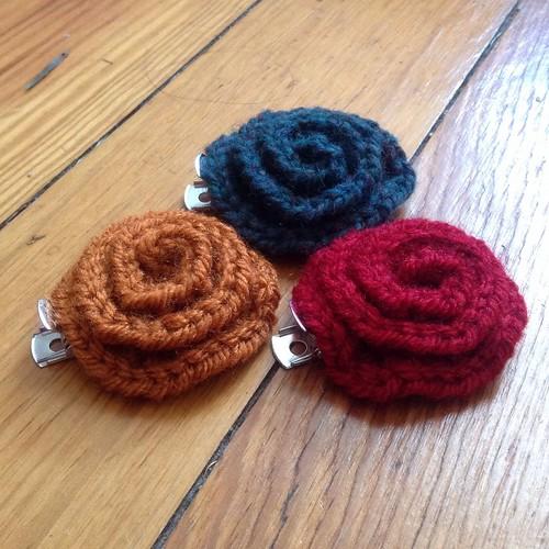 Crochet Hair Accessories Tutorial : Rose crochet hair clips Tutorial free on my .com! Flickr