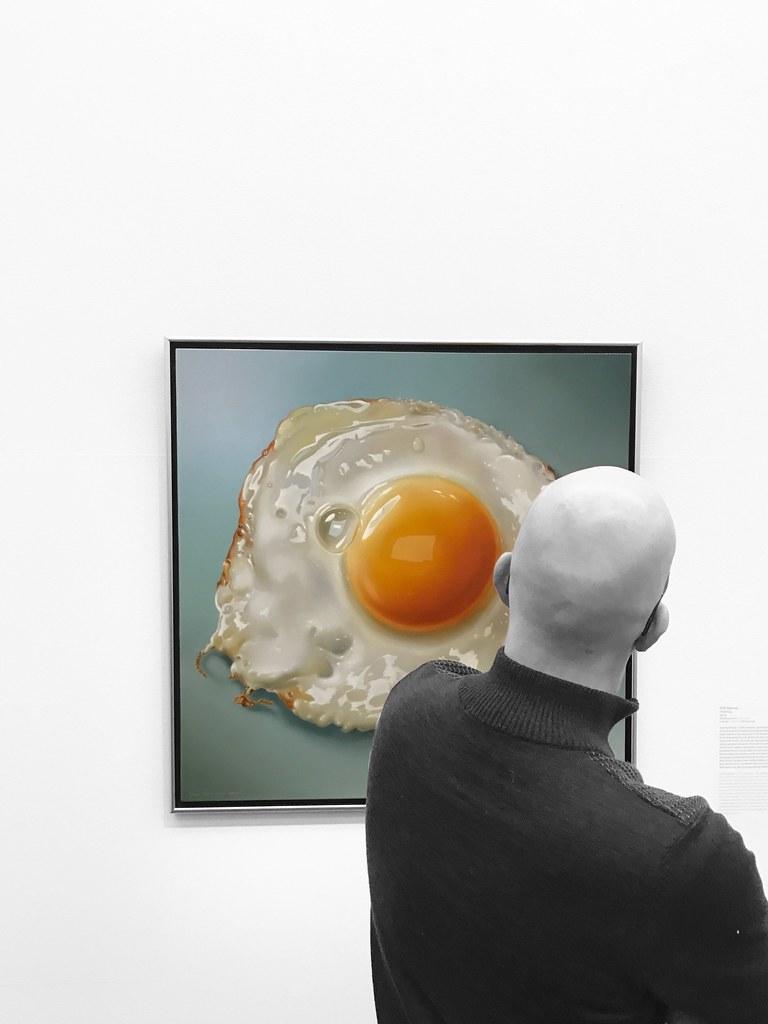 Hyperrealisme / Kunsthal / Rotterdam /Tjalf Sparnaay, Fried egg