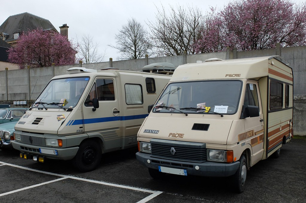renault master t35d et trafic t1200 pilote camping cars flickr. Black Bedroom Furniture Sets. Home Design Ideas