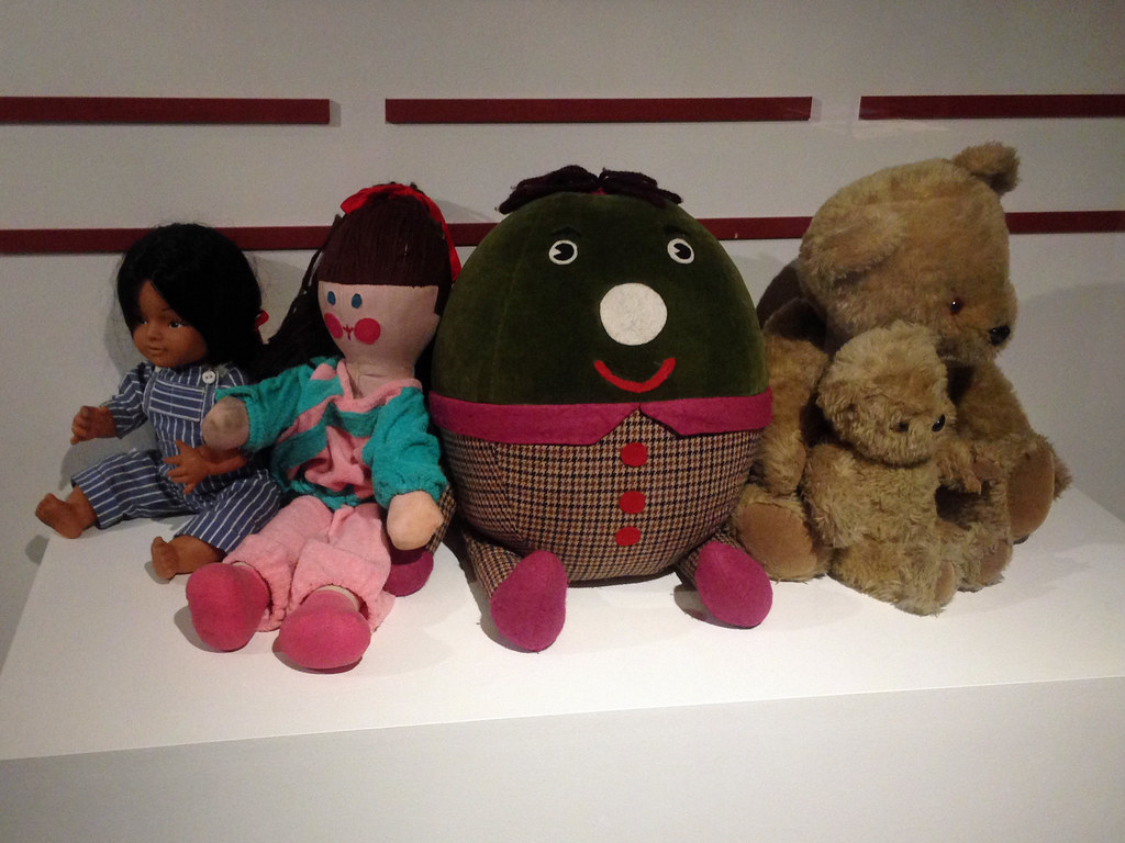 Toys For School : The play school toys here are humpty jemima big ted