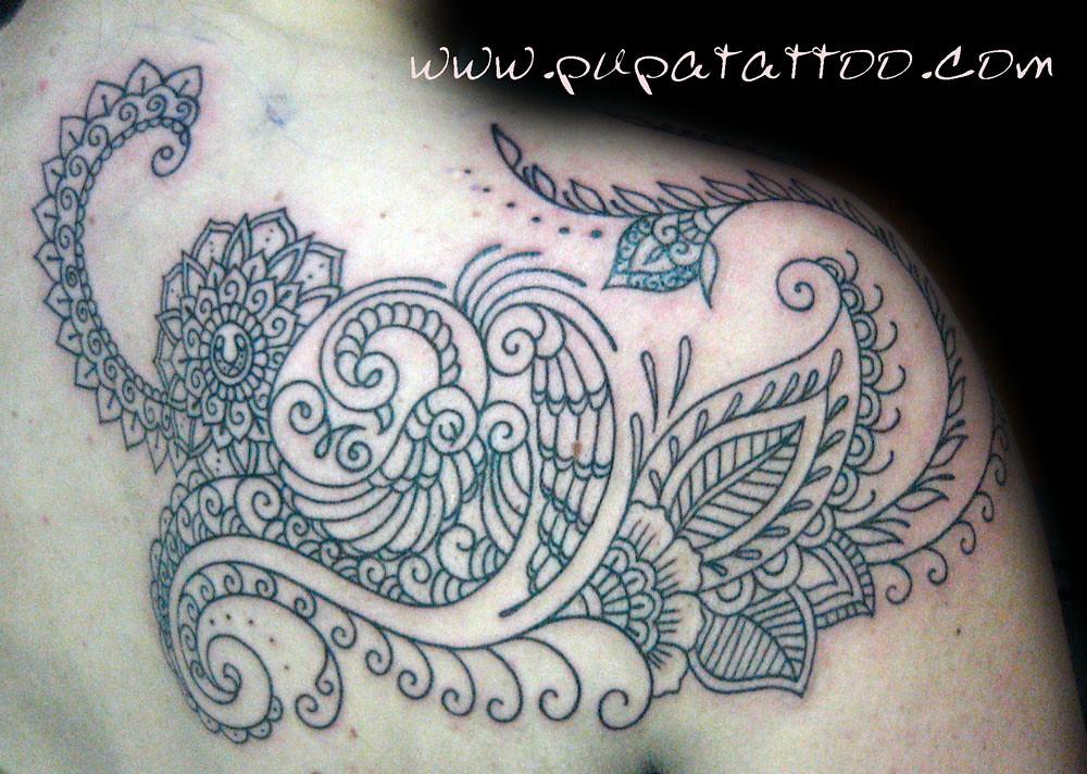 Henna Tattoo Vs Real Tattoo: Tatuaje Pavo Real Estilo Henna, Pupa Tattoo, Granada