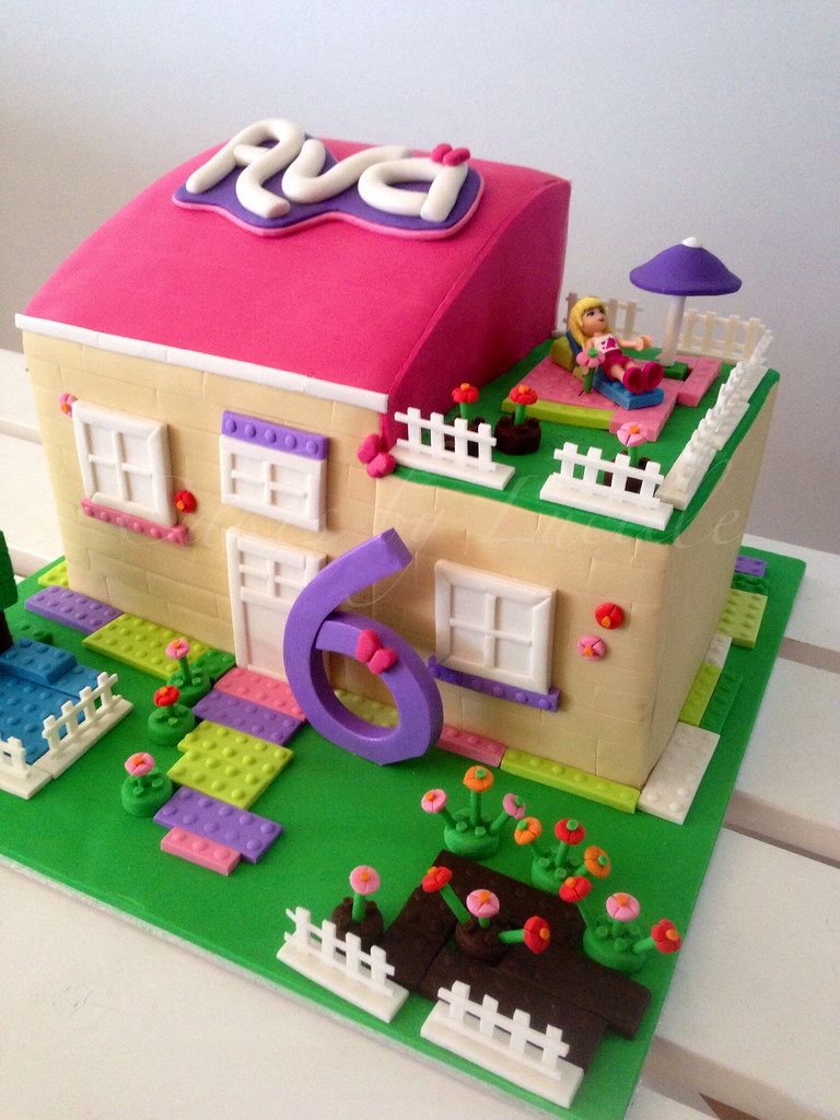 lego friends (1) | cakesbylucille | Flickr