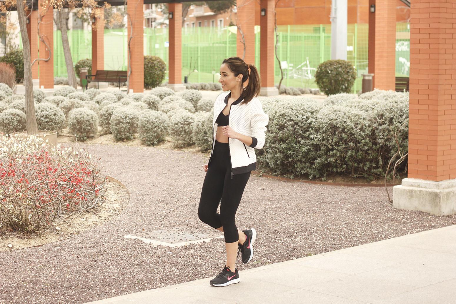 Doutzen Sport Collection white jacket leggings sneakers nike lifestyle health running correr deporte08