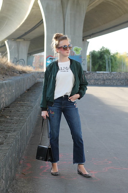 embroidered-jeans-and-bomber-jacket-whole-outfit-wiebkembg