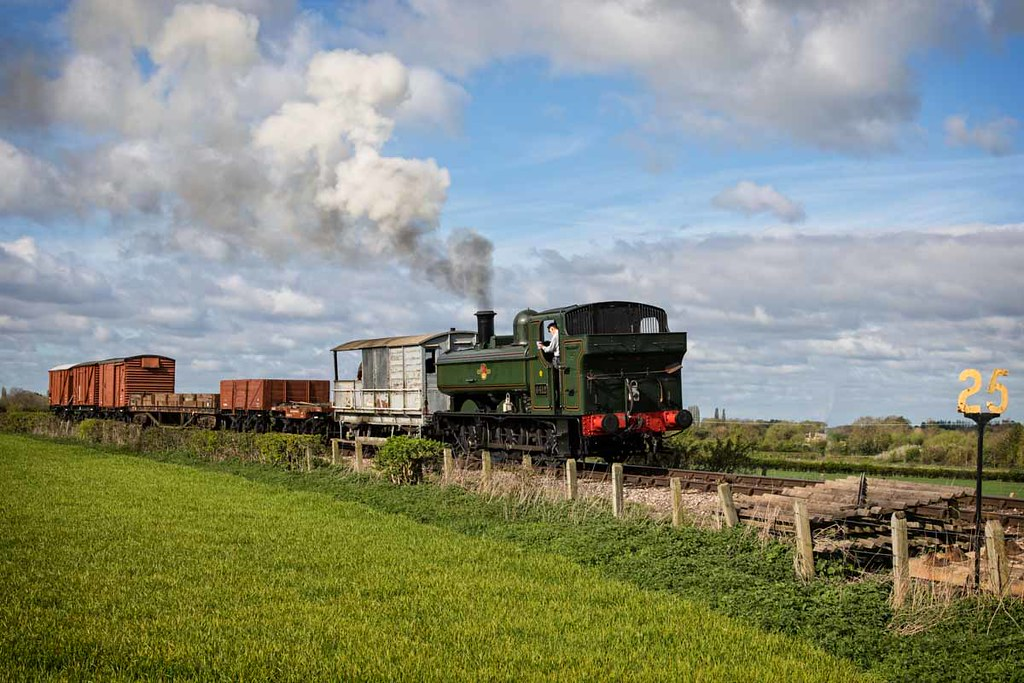 25 Mph Great Western Pannier Tank Loco No 6412 Pictured