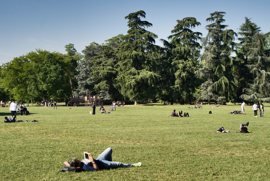 Pelouses du jardin Margherita à Bologne : Pour siestes plus ou moins crapuleuses.