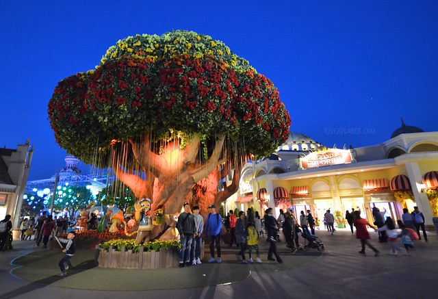 everland resort magic rose tree