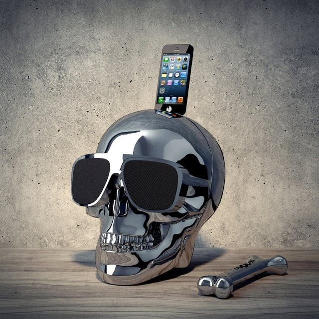 chrome skull iphone docking station speaker 600 im not