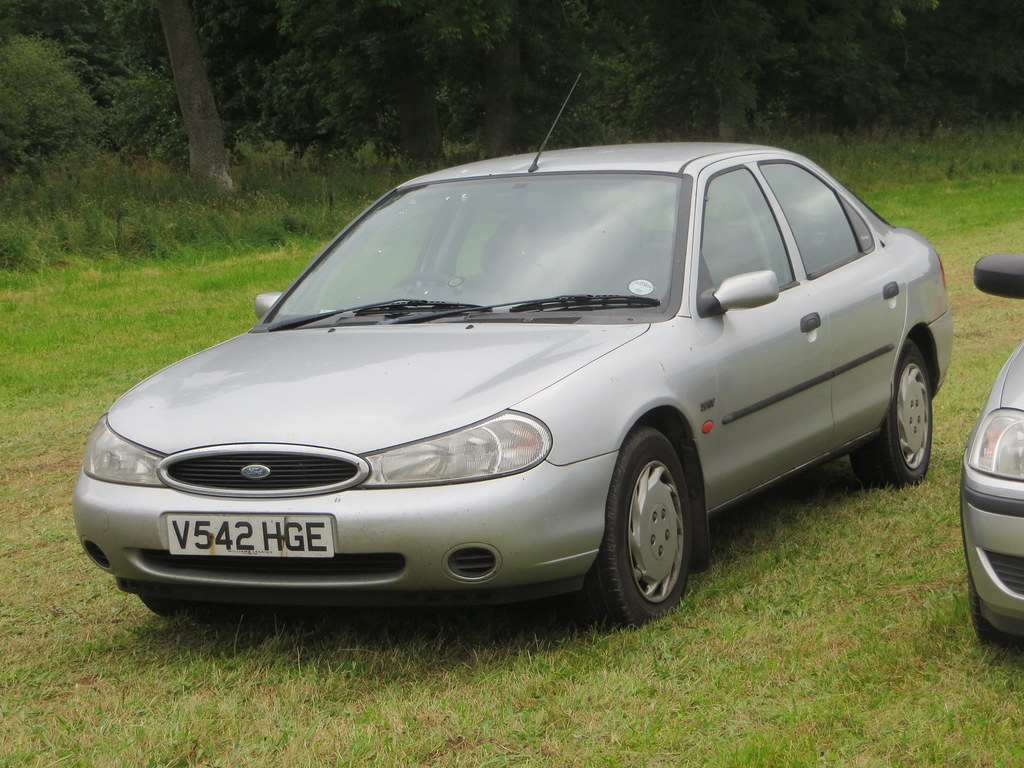 ... 1999 Ford Mondeo 2.0 GLX   by GoldScotland71