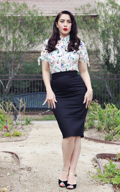 Unique Vintage Ivory Cream & Beauty Print Chiffon Button Up Colvin Blouse Vixen by Micheline Pitt Black Cotton Stretch Pencil Skirt