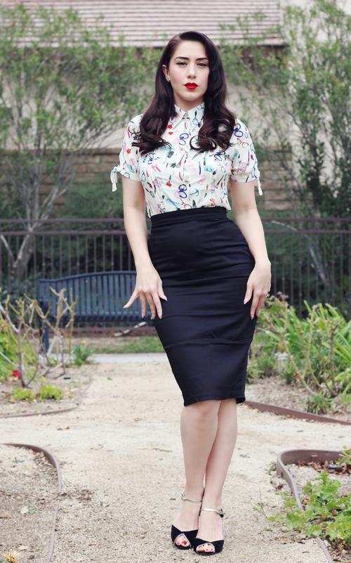 Unique Vintage Ivory Cream & Beauty Print Chiffon Button Up Colvin Blouse Vixen by Micheline Pitt Black Cotton Stretch Pencil Skirt