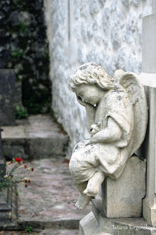 Ангел на надгробии