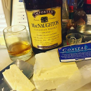 After dinner cheese snack and cocktail. #olympia #olywa #cosmoscondo #macnaughton #macnaughty #macnaughties #cheddar | by theunabonger