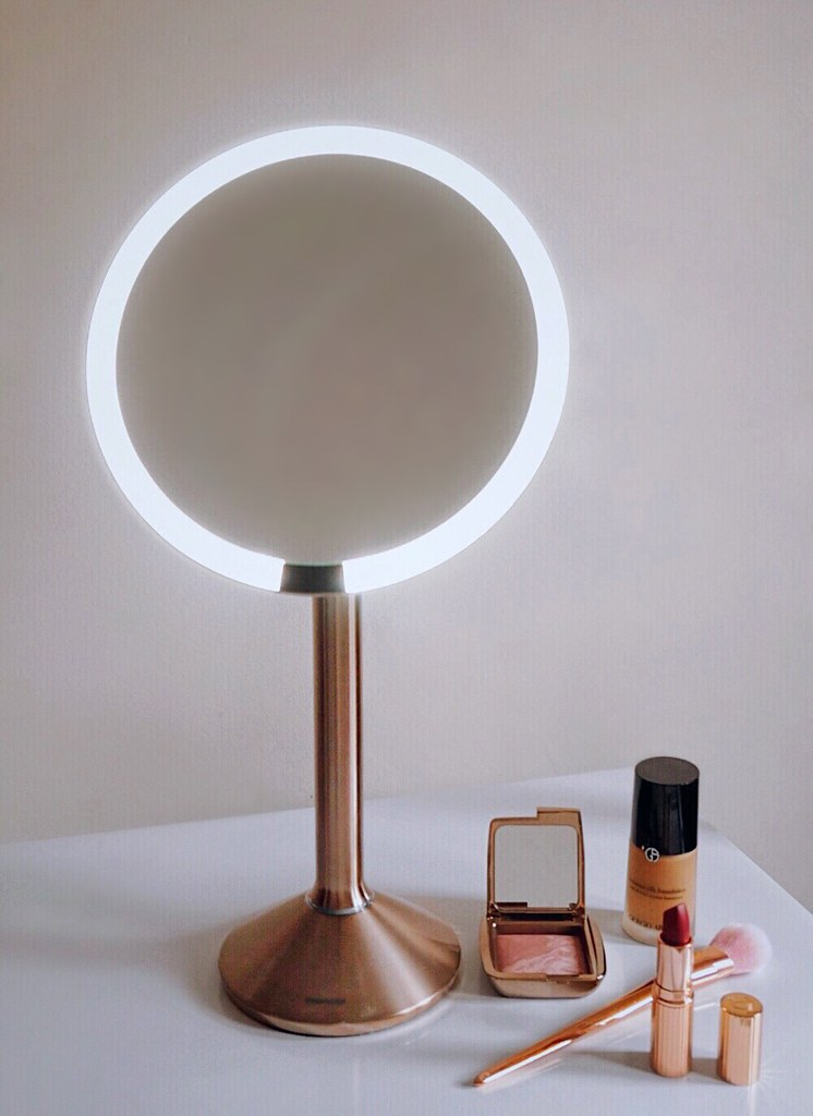 Review Simplehuman Sensor Mirror Pro Girl Amp Vanity