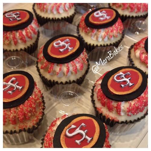 San Francisco 49ers Cupcakes