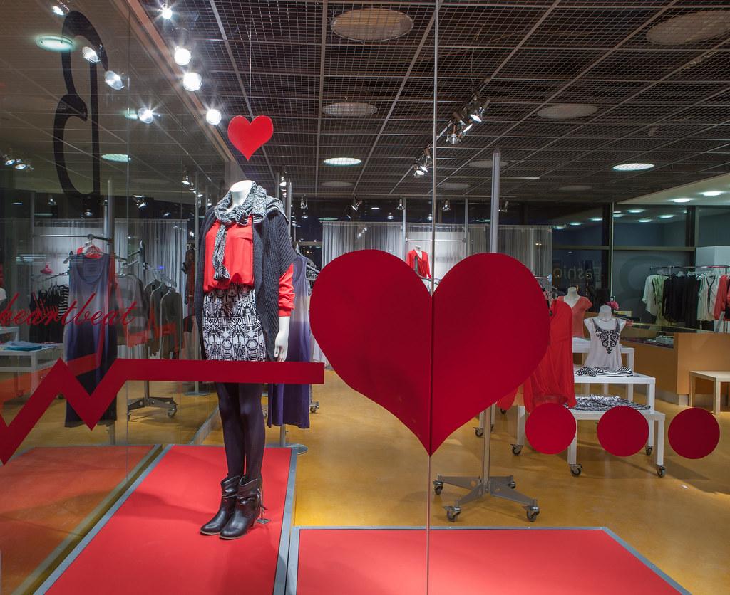 Valentines Day Window Display 2014 Seneca Visual Merchandising