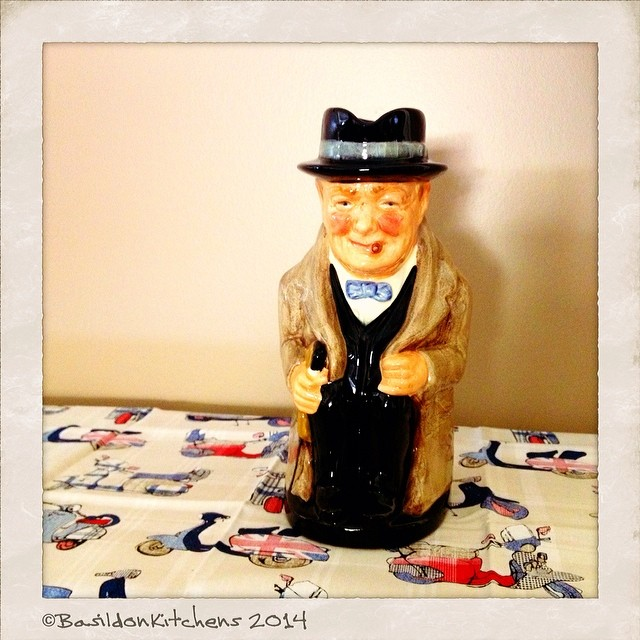 17/2/2014 - someone famous {Winston Churchill} Hubby's collection. #photoaday #famous #winstonchurchill #royaldoulton #mug #decorative