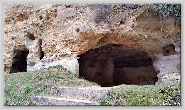 Descubrir las Cuevas de los Portugueses 2