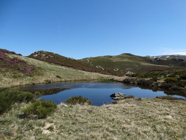 Laguna en el PR-G 201 Ruta Integral Serra Calva