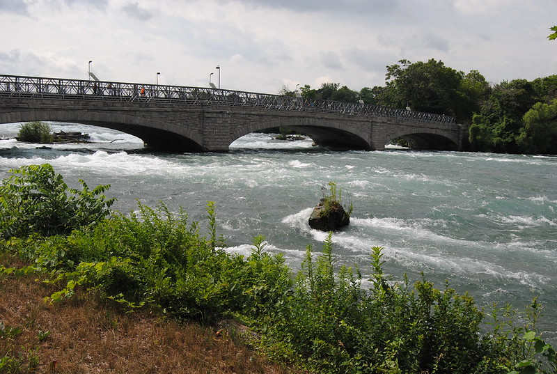 Bridge over Niagara River to Goat Island