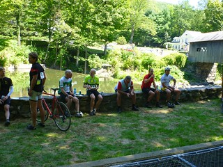 D2R2: Cyclists lunching next to the Green River | by Brian W. Ogilvie