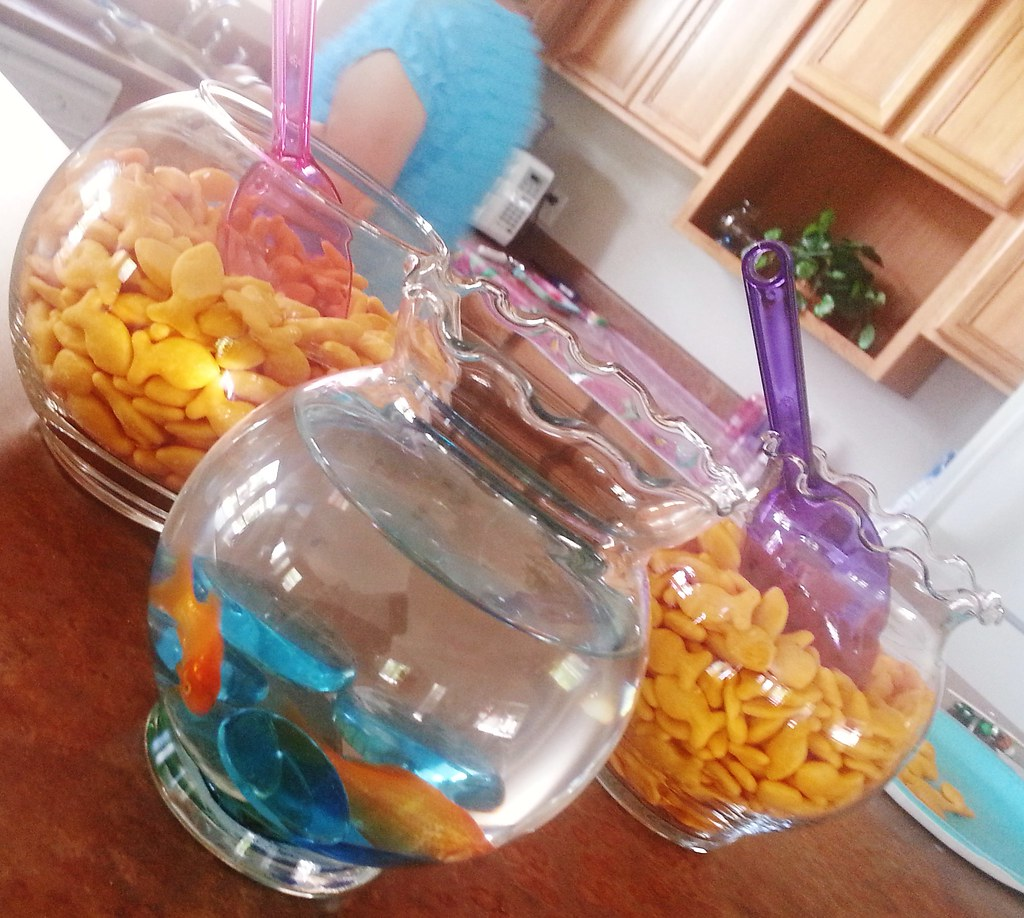 Little Mermaid Party Ideas These Adorable Fish Bowls