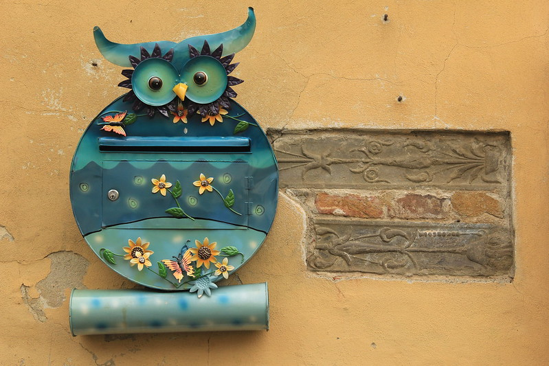 Cute little owl letterbox, Piazza Amfiteatro, Lucca