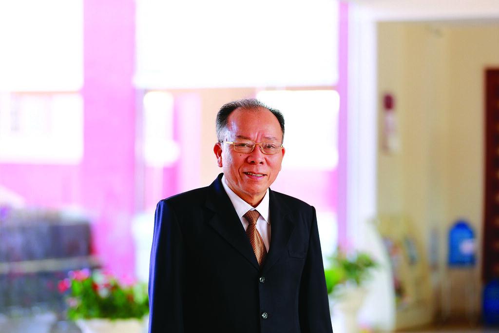Thay Pham Dinh Ban