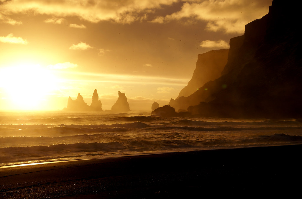 No Darkness No Darkness Reynisdrangar Iceland We Shall Flickr