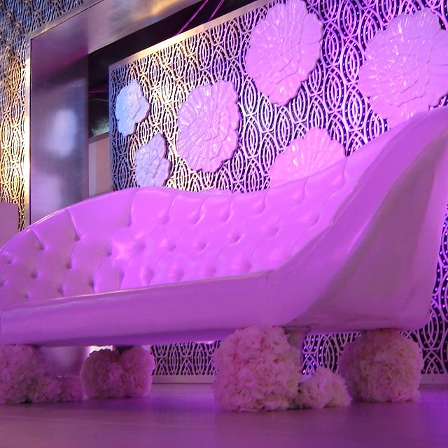 upnormal sofa wedding flickr upnormal sofa wedding ksa junglespirit Image collections