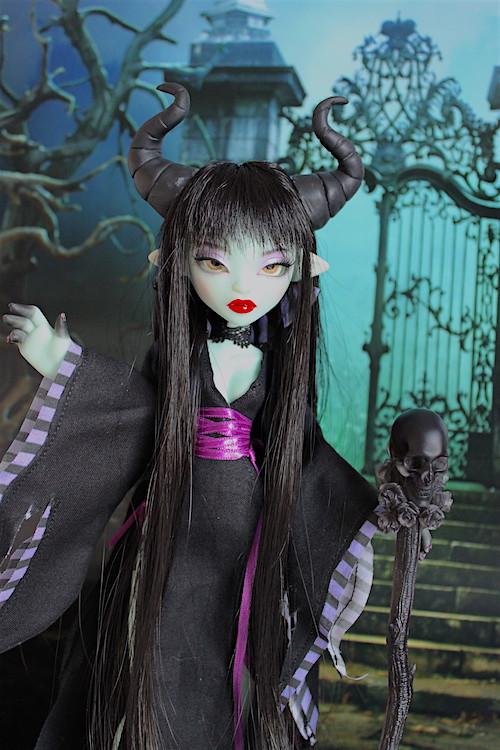 Maleficient (Papaye from Fairytales Treasures Dolls) 32130136204_04259d1e90_b