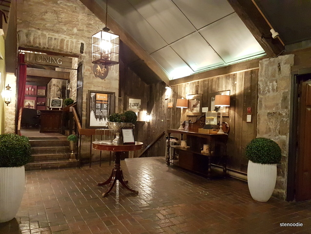 Old Stone Inn Boutique Hotel lobby
