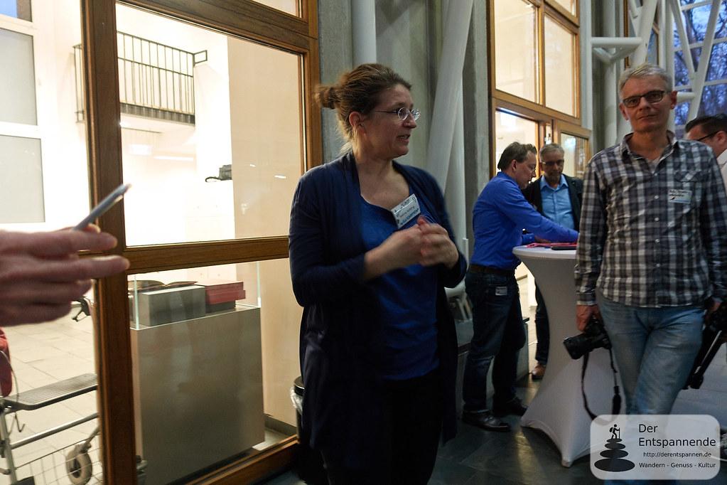 Kuratorin Sabine Kößling begrüßt zum Social Media Walk im Museum Judengasse #mjsmcffm