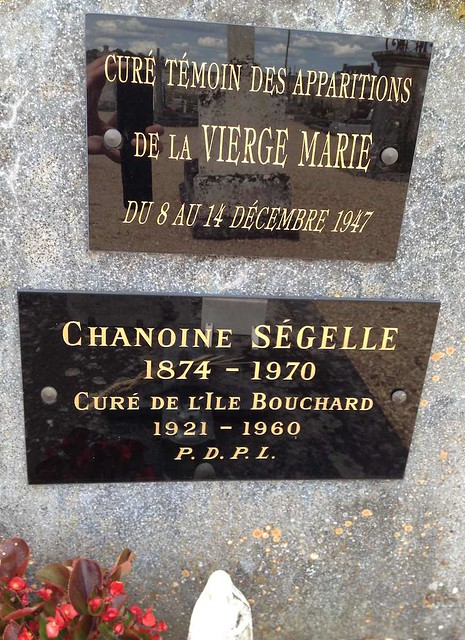 19 mars 2017 Nettoyage tombe du Chanoine Ségelle
