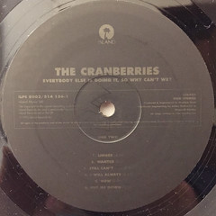 THE CRANBERRIES:EVERYBODY ELSE IS DOING IT,SO WHY CAN'T WE?(LABEL SIDE-B)