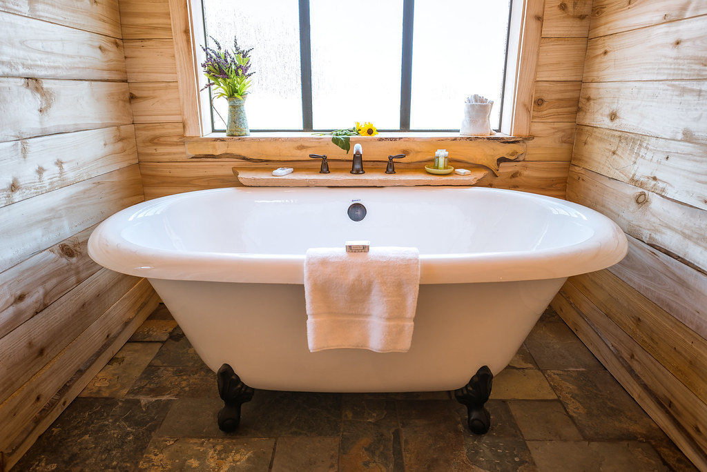 Zion Homestead Lodge Claw-Foot Jetted Tub   Lodging near Zio…   Flickr