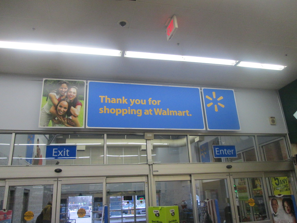 Dec 20, · Pros. I love helping people and being a manager at Wal-Mart you get to interact with so many different konkhmerit.ml: Former Employee - Cashier.