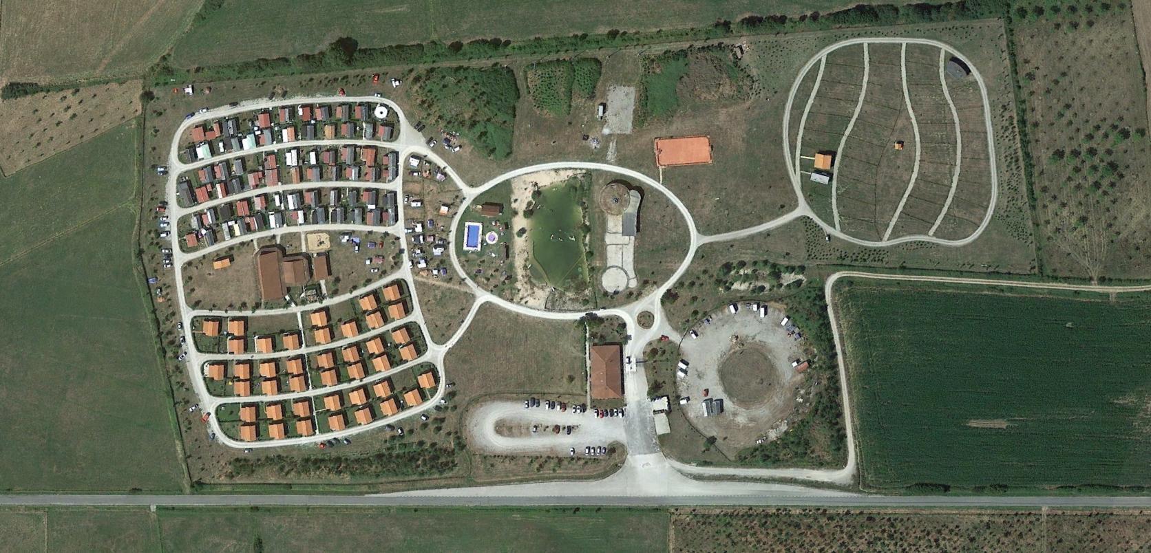 cámping arbizu, navarra, trailer park, después, urbanismo, planeamiento, urbano, desastre, urbanístico, construcción, rotondas, carretera
