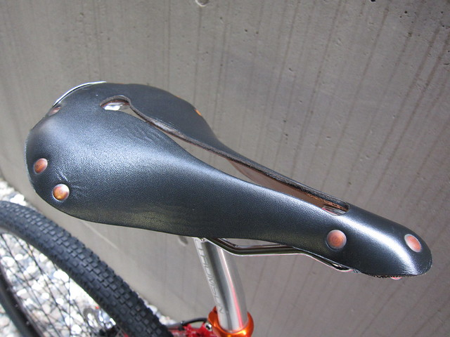 SURLY Straggler Red Saddle