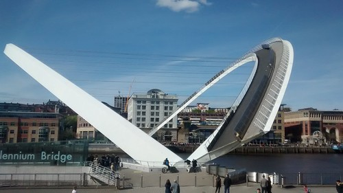 Gateshead Millennium Bridge Apr 17
