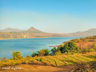 Get the best views of Tung Fort and Lohagad from Pawna Lake