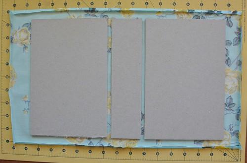 23. Use PVA glue to glue book boards to book cloth.