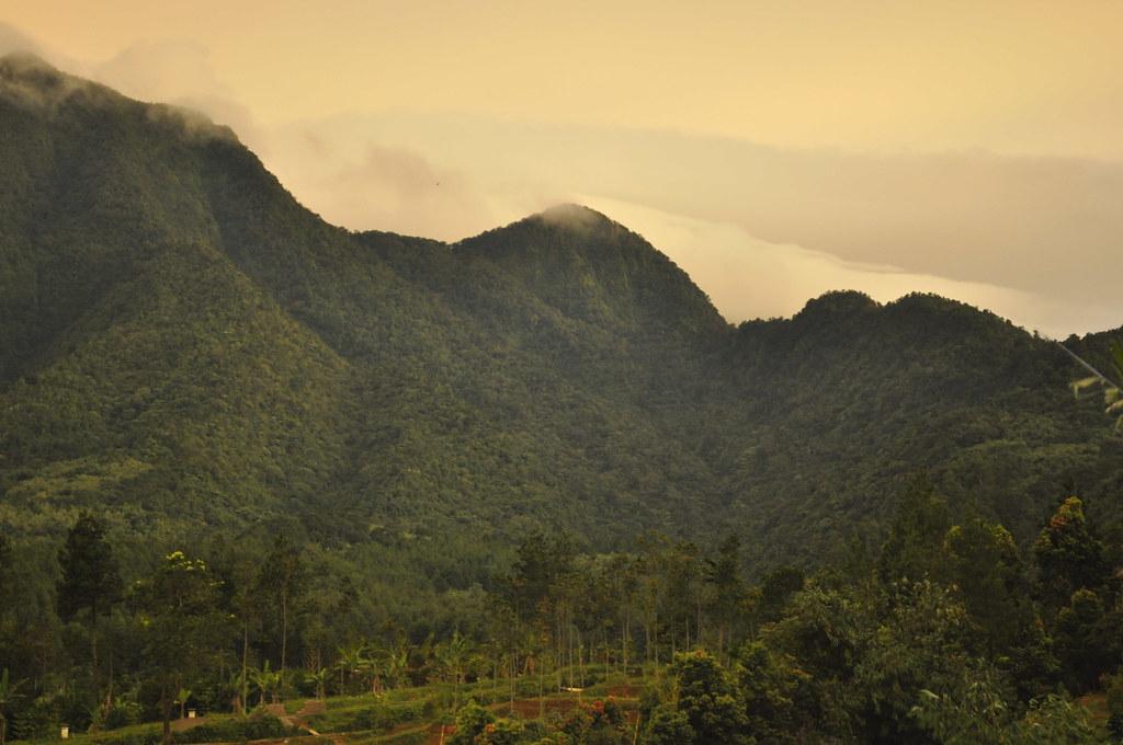 Mountain 3 Telaga Arwana Cibubur Flickr