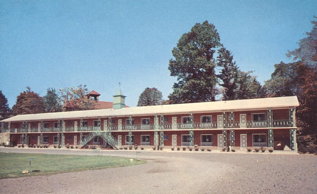Fairmont Motor Lodge - Fairmont, West Virginia