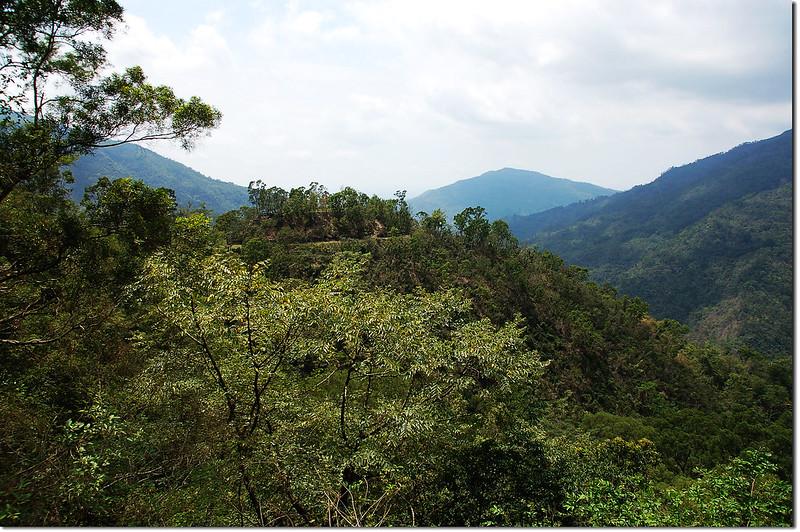 真雅社登山口望來義舊部落