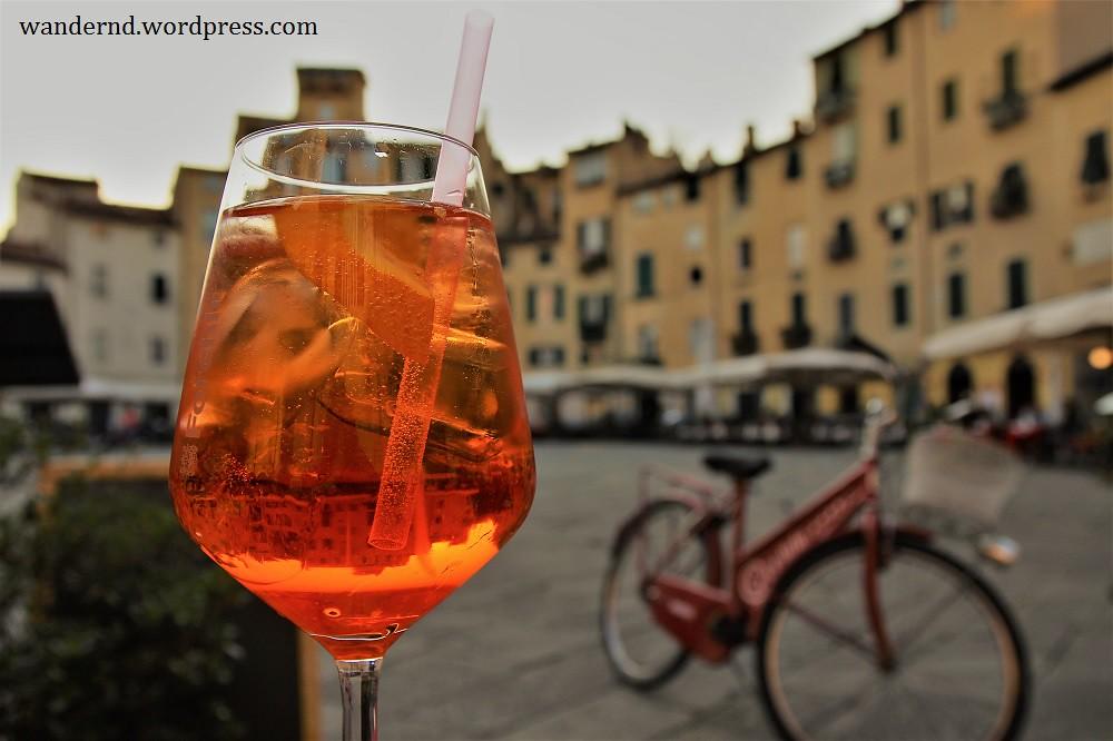 Lucca Aperitivo Piazza Anfiteatro