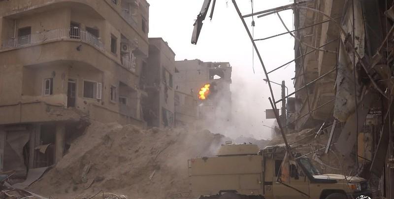 Truck-with-BMP1-turret-isis-deir-az-zor-c2017-wf-2