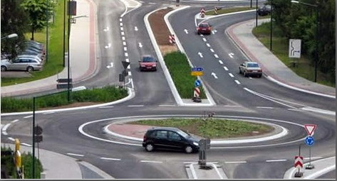 Президент підписав зміни правил руху автомобілів наперехрестях
