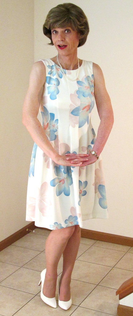 Sleeveless Pastel Floral Dress 1 Of 5 - Toes Together -7519